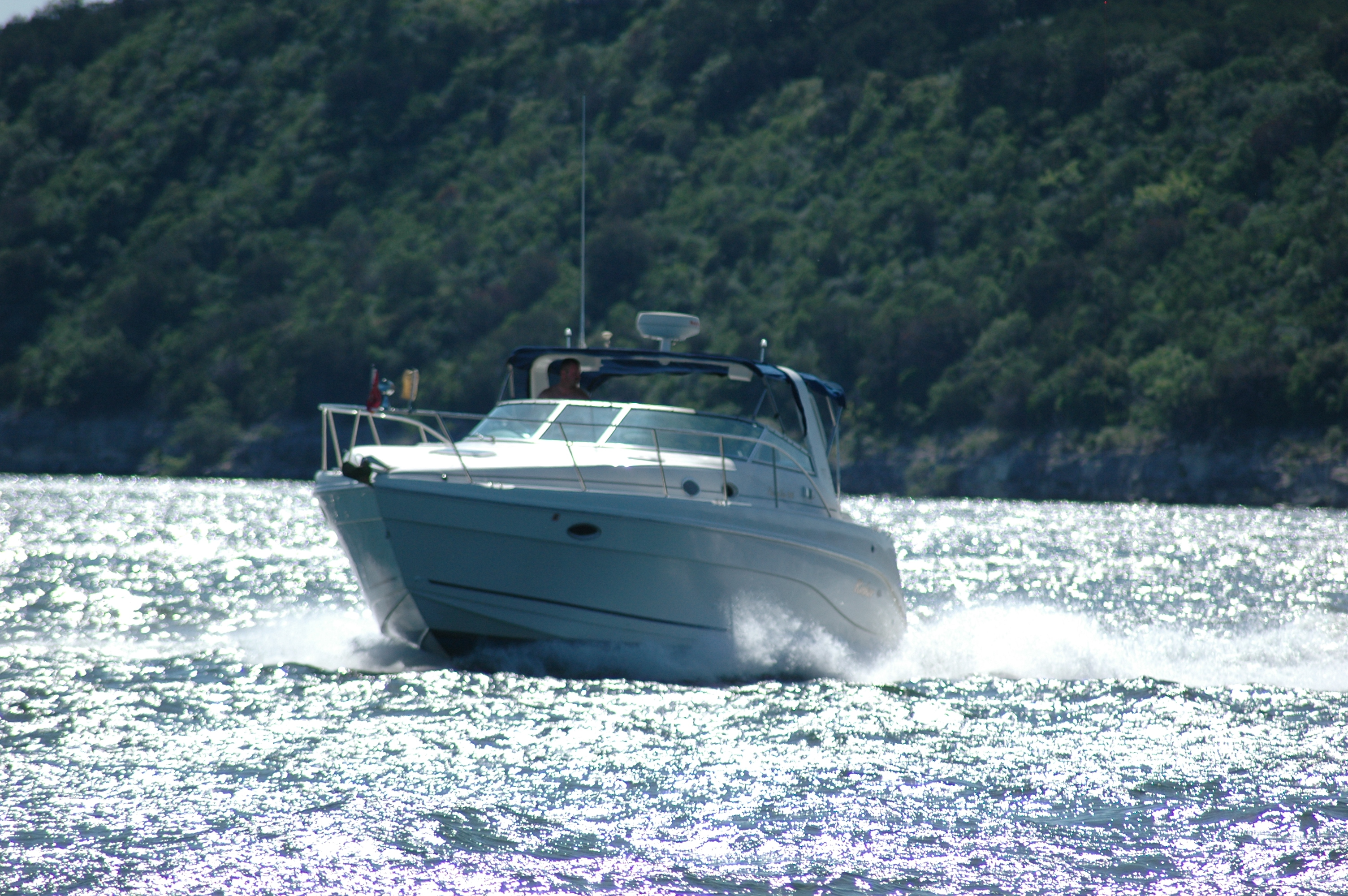 This is an exceptional boat with plenty of room for a 34′ express cruiser, ...